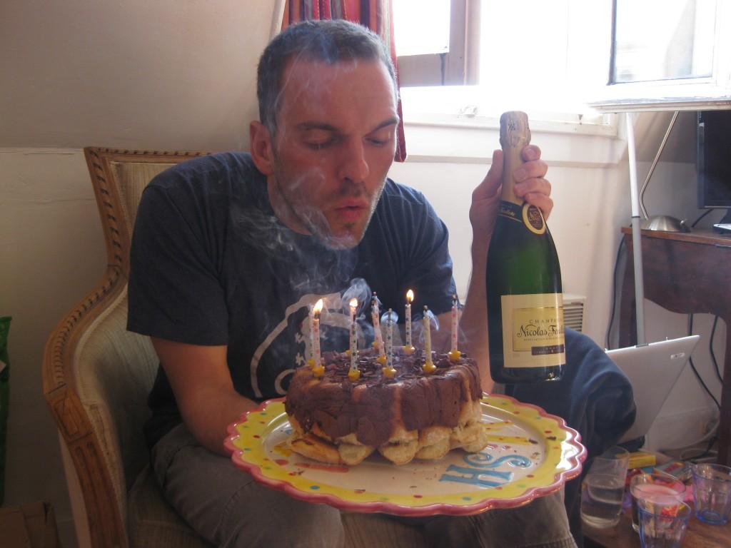 Champagne et gâteau d'anniversaire...