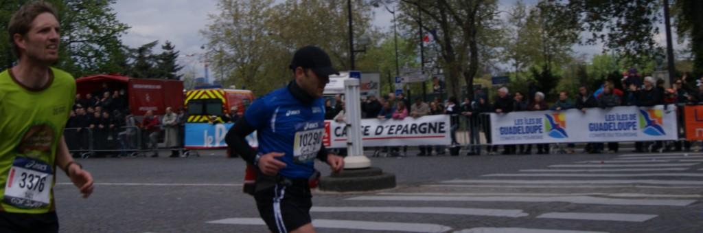 Sprint final vers l'arrivée du marathon de Paris